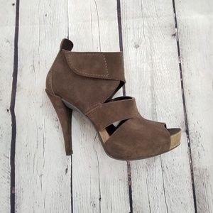 Pedro Garcia Brown Suede heels -Sz 38.5-